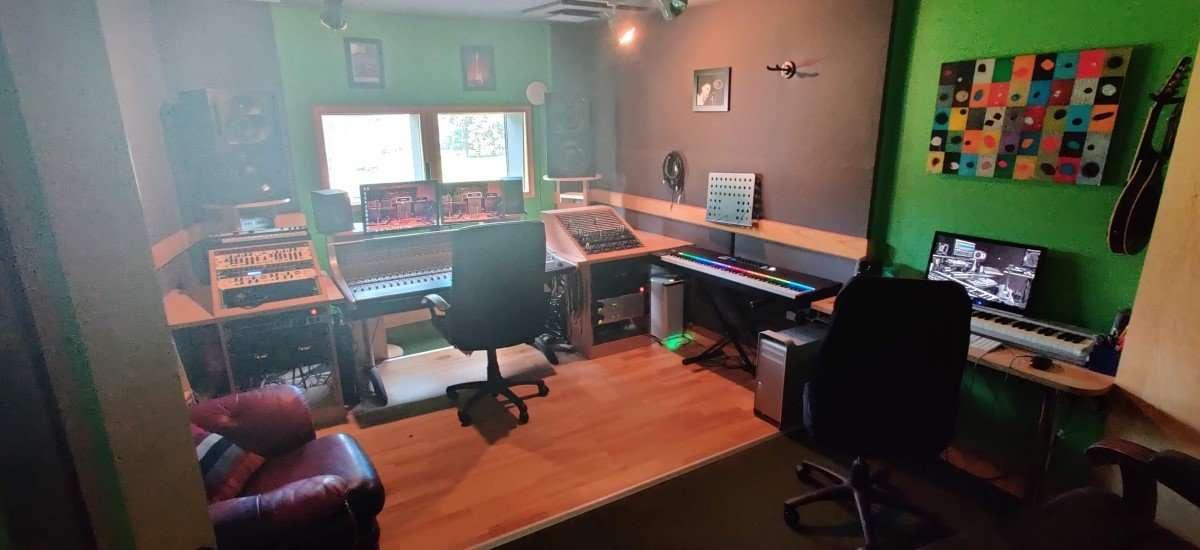 recording studio TCR Hub